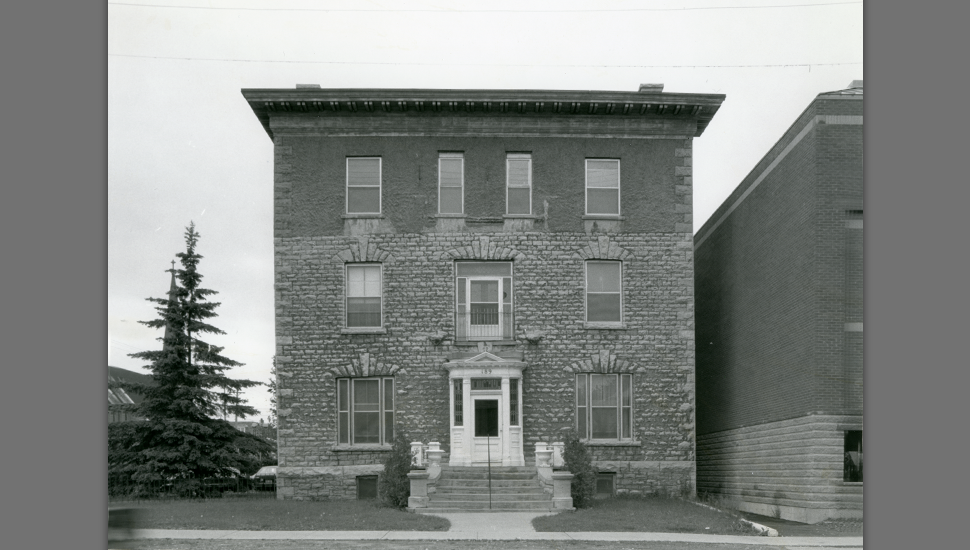 Panet House in 1987, before restoration